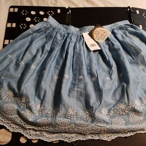 NWT Juniors Alice Through The Looking Glass Skirt